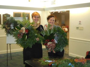 Kate Laepple Hertzog with her sister, Library Director Anny Laepple at the Wreath Decorating Workshop on December 8, 2015.